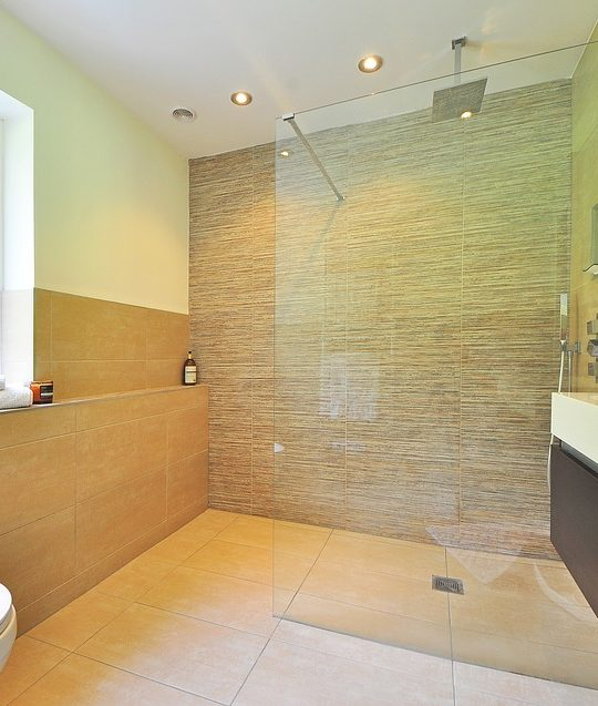 http://www.marketingarticle.it/wp-content/uploads/2017/12/illuminazione-bagno-540x637.jpg