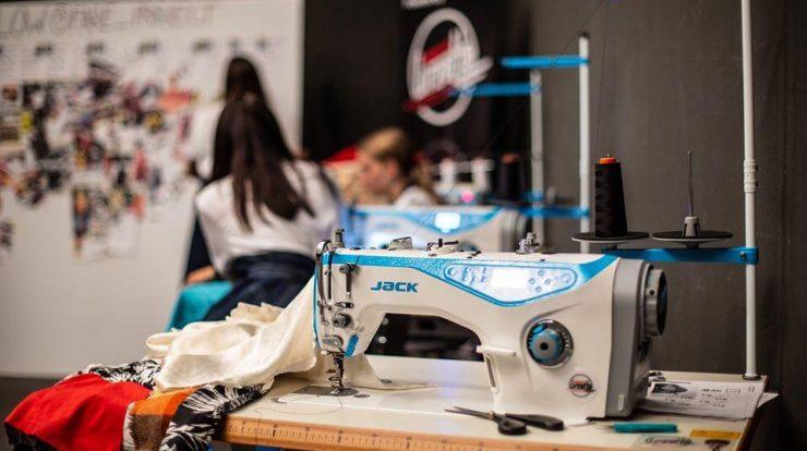 noleggio-e-allestimento-macchine-da-cucire-indutriali-attrezzature-accessori-per-il-cucito-3